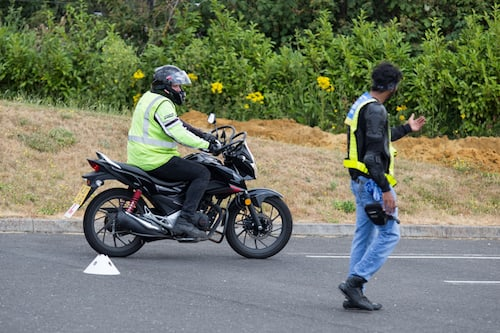 student completing his CBT in Edgware