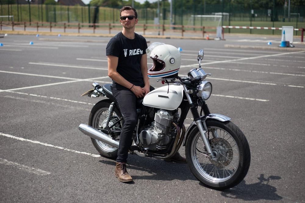 James | Honda CB 400SS