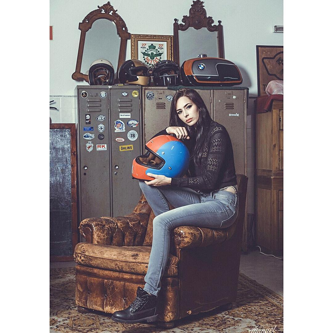 Mariana Oliveiira full motorcycle licence